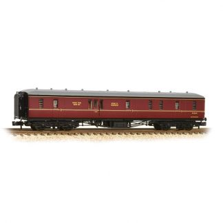 Graham Farish 374-586 Hawksworth Full Brake - BR Maroon (N gauge)