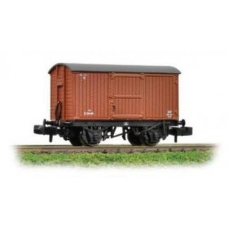 Graham Farish 377-976 12 Ton Eastern Ventilated Van Planked Ends - BR Bauxite (Early) (N gauge)