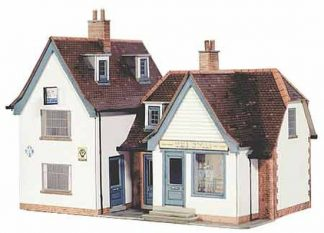 Superquick B21 The Swan Inn (OO scale card kit)