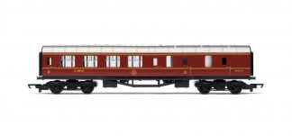 Hornby R4839 RailRoad Stanier Period III brake third 5200 in LMS maroon (OO gauge)